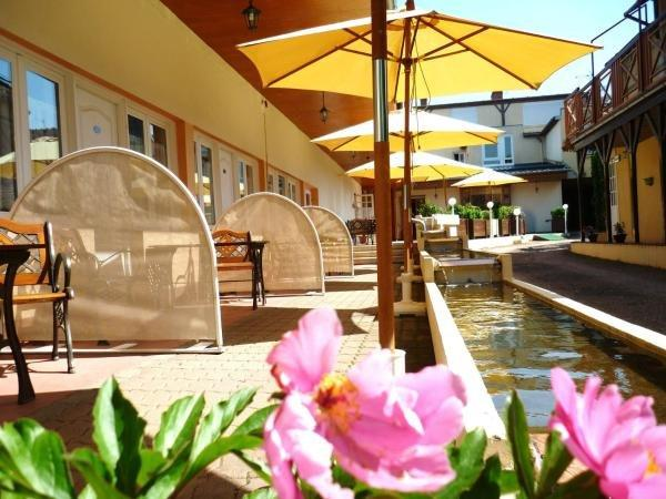 Inter-Hotel Clos Sainte-Marie - Holiday & weekend hotel in Nevers