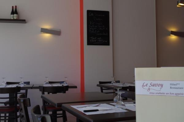Inter-Hotel Le Savoy - Holiday & weekend hotel in Caen