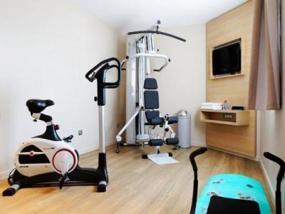 kyriad bourgoin jallieu h tel bourgoin jallieu. Black Bedroom Furniture Sets. Home Design Ideas