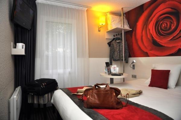 kyriad dieppe h tel saint aubin sur scie. Black Bedroom Furniture Sets. Home Design Ideas