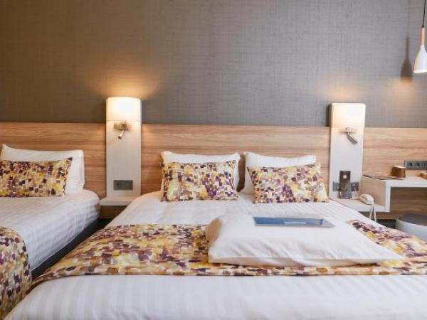 kyriad pontarlier h tel pontarlier. Black Bedroom Furniture Sets. Home Design Ideas