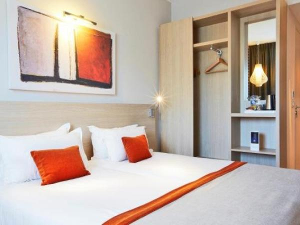 kyriad prestige vannes centre palais des arts h tel vannes. Black Bedroom Furniture Sets. Home Design Ideas