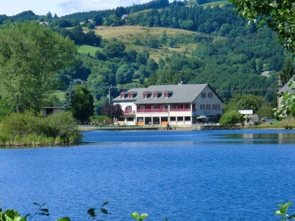 Le Lac Des Moines - Holiday & weekend hotel in Condat