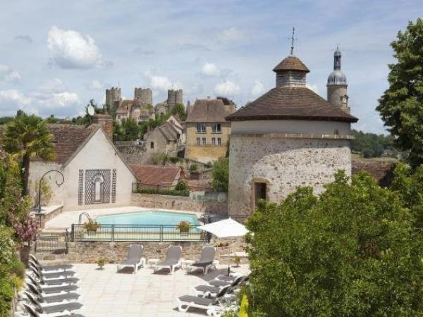 Logis Grand Hotel Montespan-Talleyrand - Hotel vakantie & weekend in Bourbon-l'Archambault