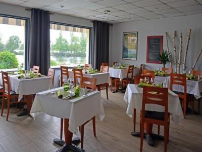 logis hotel des lacs paris sud h tel viry ch tillon. Black Bedroom Furniture Sets. Home Design Ideas