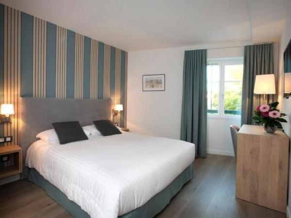 logis hotel de la nivelle h tel saint p e sur nivelle. Black Bedroom Furniture Sets. Home Design Ideas