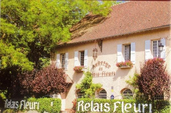Logis Le Relais Fleuri - Holiday & weekend hotel in Avallon