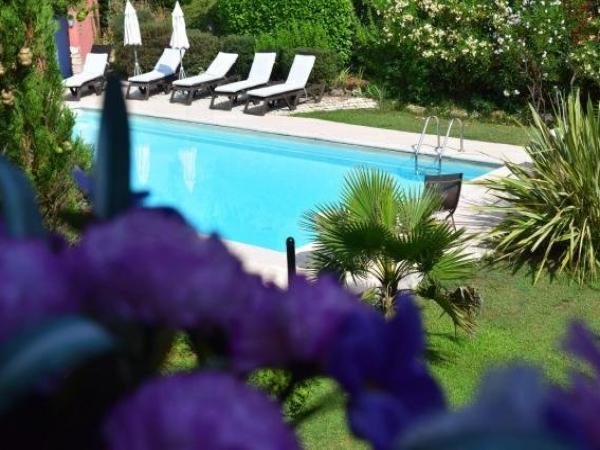Logis Le Relais Gourmand - Holiday & weekend hotel in Mouans-Sartoux