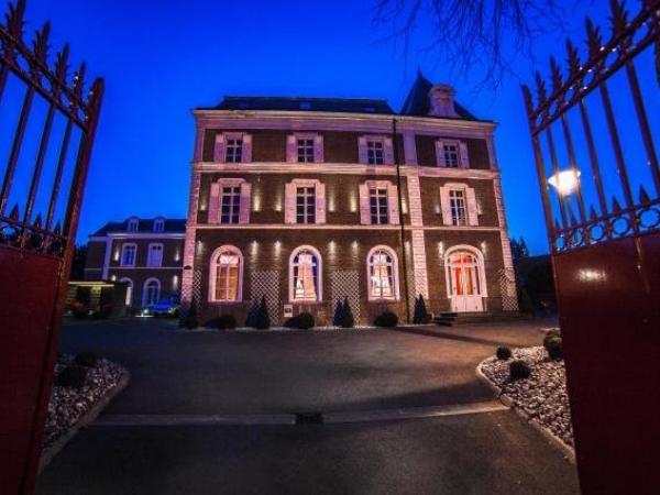 La Maison Rouge Qualys Hotel Hotel Vakantie Weekend In Noeux Les Mines