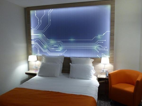 Mercure - Site du Futuroscope - Holiday & weekend hotel in Chasseneuil-du-Poitou