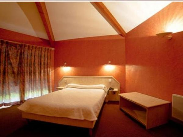 Motel Restaurant l'Enclos - Holiday & weekend hotel in Donneville