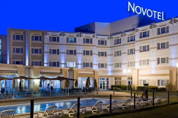 Novotel Bourges - Holiday & weekend hotel in Le Subdray