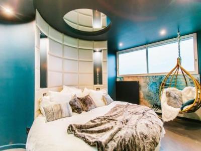 parenth se concept room h tel toulouse. Black Bedroom Furniture Sets. Home Design Ideas