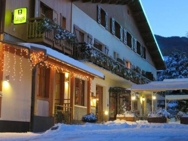 Les Peupliers - Holiday & weekend hotel in Baratier