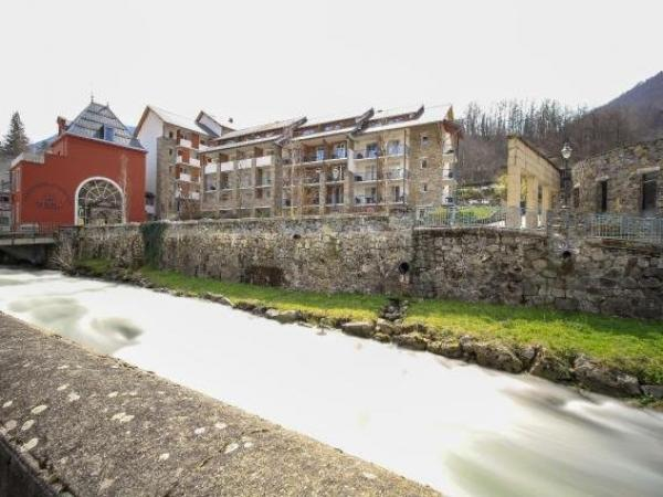 Pierre & Vacances Les Trois Domaines - Holiday & weekend hotel in Ax-les-Thermes