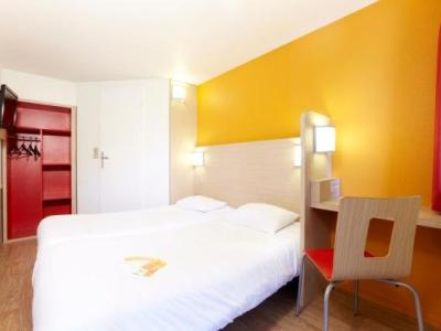 premiere classe valenciennes ouest petite foret h tel petite for t. Black Bedroom Furniture Sets. Home Design Ideas