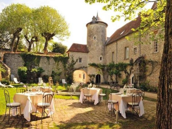 Le Relais Louis XI - Holiday & weekend hotel in Meung-sur-Loire