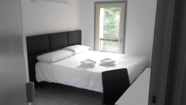 le relais de monti h tel menton. Black Bedroom Furniture Sets. Home Design Ideas