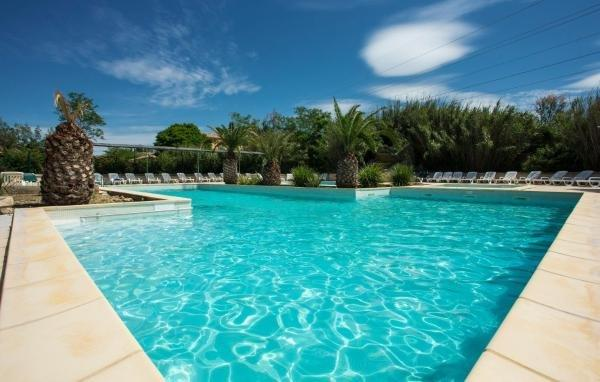 R sidence club les mazets de camargue hotel in arles - Hotel porte de camargue arles provence ...