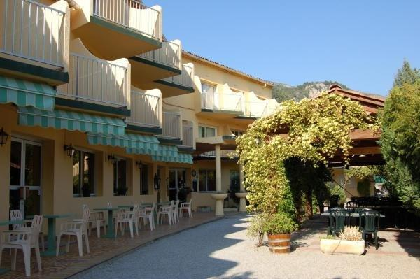 Sous l'Olivier - Holiday & weekend hotel in Buis-les-Baronnies