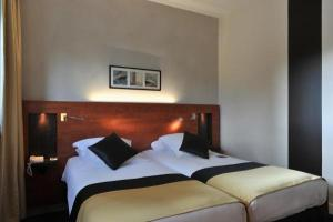 mercure maurepas saint quentin hotel in maurepas. Black Bedroom Furniture Sets. Home Design Ideas