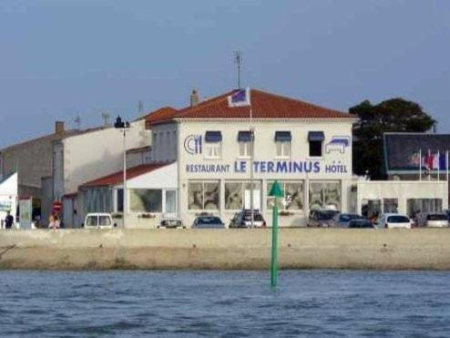 Le Terminus - Holiday & weekend hotel in Bourcefranc-le-Chapus