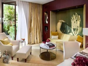 Mandarin oriental paris hotel in paris - Kleedkamer suite badkamer kleedkamer ...