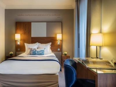 le tourville eiffel hotel in paris. Black Bedroom Furniture Sets. Home Design Ideas