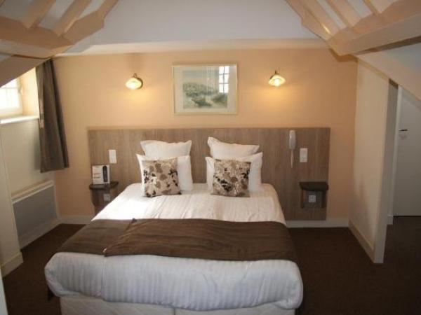 la vieille auberge hotel in le mont saint michel. Black Bedroom Furniture Sets. Home Design Ideas