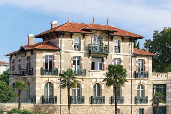 villa mirasol hotel in mont de marsan
