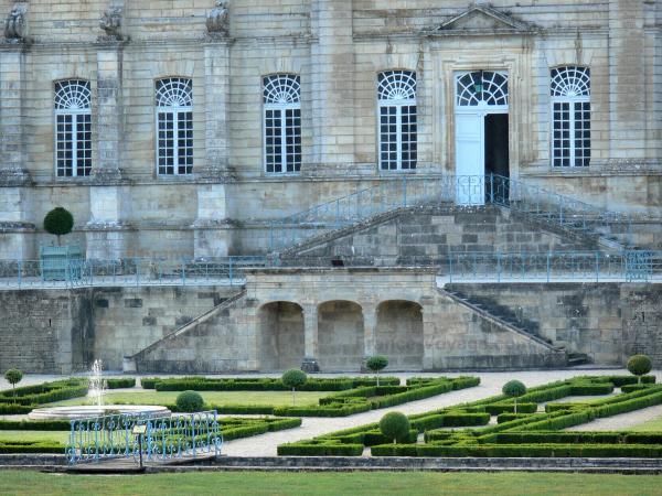 L Abbaye Royale De Celles Sur Belle Guide Tourisme Amp Vacances