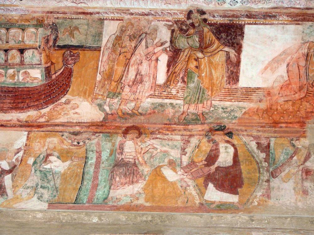 Photos l 39 abbaye de saint savin guide tourisme vacances for Peintures murales