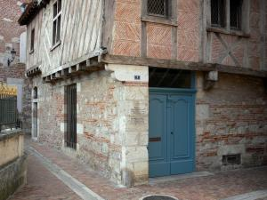 Agen - Old half-timbered corbelled house in Rue Beauville street (old town)