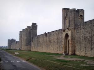 Aigues-Mortes - Ramparts (fortifications) and towers of the fortified town