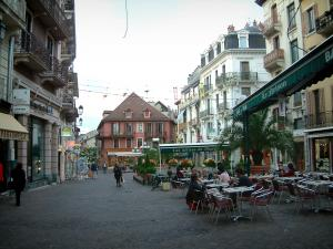 Aix-les-Bains - Pedestrian street with cafe terraces, shops and buildings