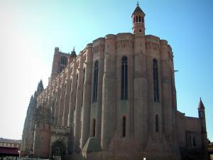 Albi - Sainte-Cécile fortress cathedral (brick-built building of southern gothic style)