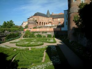Albi - Flowerbeds in the Berbie palace gardens