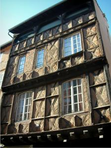 Albi - House of the 15th century (bricks and timber framings)