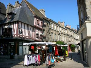 Alençon - Stand of the market and facades of houses in the Grande Rue street