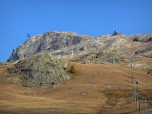 L'Alpe d'Huez - Ski lifts of the winter and summer sports resort (ski resort) in autumn