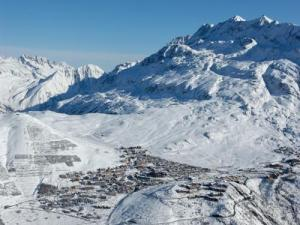 Alpe dHuez Tourism Holiday Guide