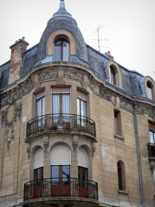 Ambert - Art Nouveau building
