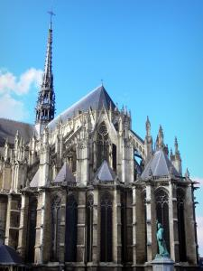 Amiens - Tower and chevet of the Notre-Dame cathedral (Gothic style) and statue of Pierre l'Ermite