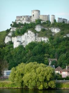 Les Andelys - Remains of Château-Gaillard (medieval fortress perched on a limestone cliff) overlooking the river Seine