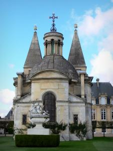 Anet castle - Chapel of the castle and statue of Diane de Poitiers