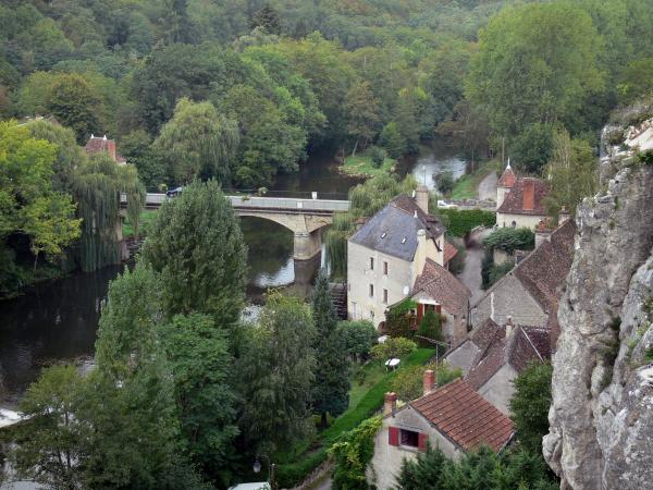 Angles-sur-l'Anglin - Houses of the village, bridge spanning the River Anglin, trees along the water