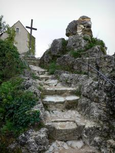 Angles-sur-l'Anglin - Stair leading to the Calvary and to the Saint-Pierre chapel