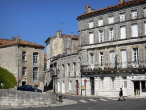 Angoulême - Houses of the upper town