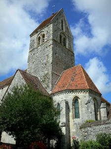 Arcis-le-Ponsart church - Church of the village, clouds in the blue sky