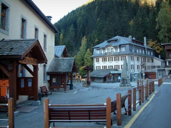 Argentière - Square and houses of the village (ski resort)